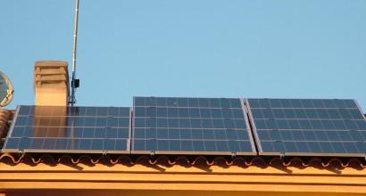 Instalación Solar Fotovoltáica Aislada de Red, para vivienda con 5K
