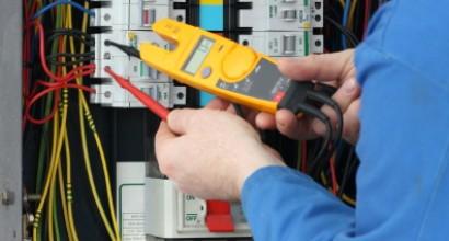 Revisión y mantenimiento de instalación fotovoltaica aislada de 1,47kWp y 15kW de autonomía