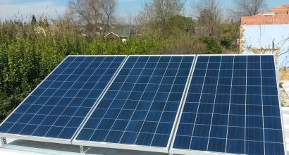 Solar Fotovoltáica Aislada de 3kVA y 8 kWh para Bar