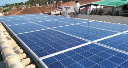 Instalación solar fotovoltáica aislada, 5K y 24kW/día - HABITUAL