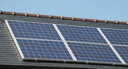 Instalación fotovoltaica conectada a red con regulación automática