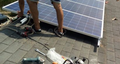 Instalación Solar Fotovoltaica Aislada de Red Baterías OPzS y Regulador MPPT