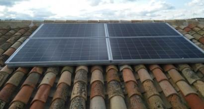Instalacion solar fotovoltaica aislada de 1kWp, 3K y 10,5kW/día