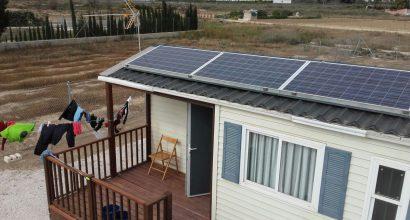 Solar Fotovoltáica Aislada de 3kVA y 6kWh en Caseta Portatil