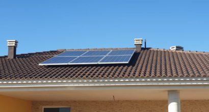 Instalación Solar Fotovoltaica Aislada de Red AXPERT 5.000W