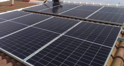 Instalación de 8 paneles solares para Autoconsumo con compensación de excedentes