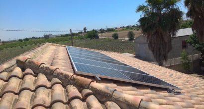 Instalación FV en Villa conectada a red eléctrica