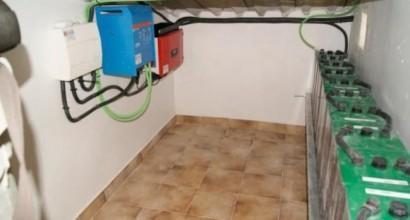 Instalación aislada fotovoltaica de 3kVA y 24kWh de autonomía