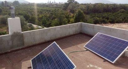 Instalación Solar Fotovoltaica Aislada en casa de campo (Uso fin de semana)